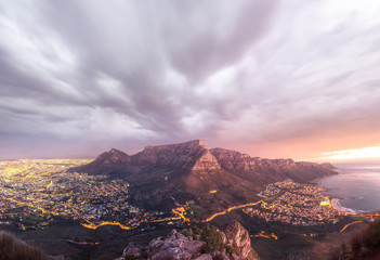 Panoramic view of Table Mountain as seen from on top of Lions Head - Cape Town, South Africa Fototapete