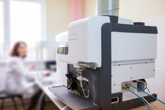 The laboratory scientist work with microwave plasma atomic emission spectrometer (MPAES) for elemental property analysis of material sample in all areas of industry.