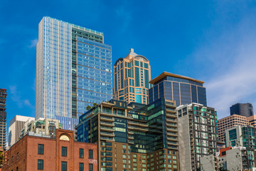 Fototapete - Old Condos and Modern Towers in Seattle