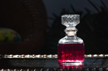Botela de licor a contraluz