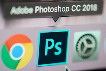 Start photoshop application on computer