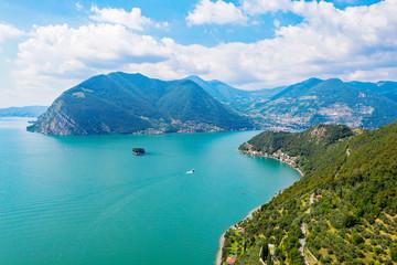 Lago D'Iseo (IT) - Peschiera Maraglio - Isola di San Paolo - vista aerea
