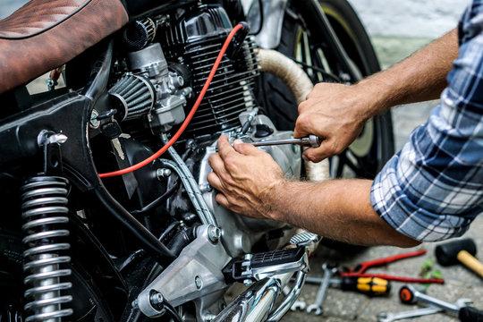 Motorrad Reparatur