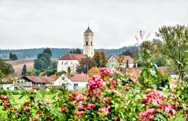 Cityscape of the Bavarian health resort Bad Birnbach with the late gothic parish church Maria Himmelfahrt (Germany)