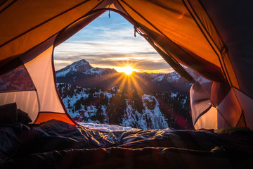 Photo sur Plexiglas Camping tent at sunset