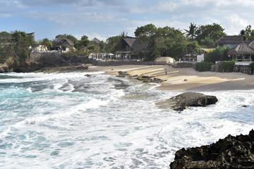Aluminium Prints Beach Big waves and Sandy Bay Beach in Nusa Lembongan Island, Bali, Indonesia