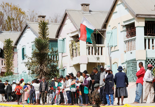 "Pope Francis visits Akamasoa ""Community of Good Friends\"
