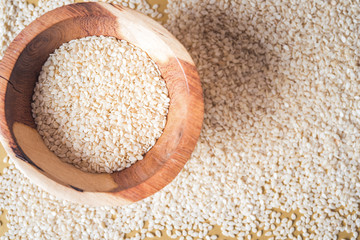 Fototapeta Sesame seeds isolated in bowl, top view obraz