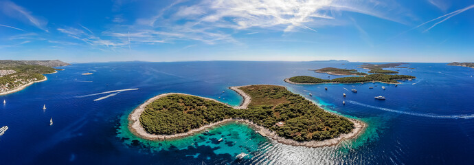 Aerial view of Paklinski Islands in Hvar, Croatia Fototapete