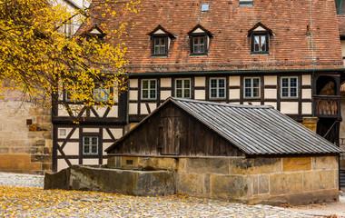 Wall Mural - Historisches Bamberg - Alte Hofhaltung - Brunnenabdeckung, Deutschland