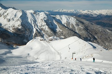 Fototapete - Ski resort snowy alpine landscape