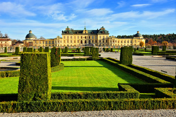 Fototapeten Stockholm Drottningholm Palace, view from its garden during autumn, Stockholm, Sweden