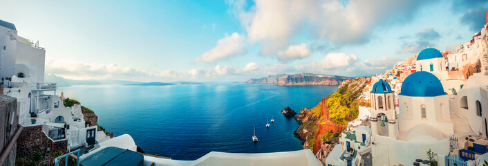 Keuken foto achterwand Santorini Sunny morning panorama of Santorini island. Colorful spring view offamous Greek resort Fira, Greece, Europe. Traveling concept background. Artistic style post processed photo.