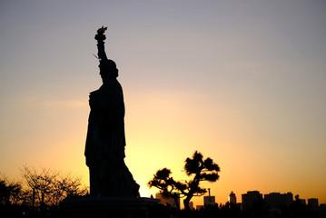 夕日 お台場 東京 絶景 お散歩 デート 観光 自由の女神