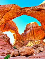 Fotorolgordijn Baksteen View of the Double Arch in the Arches National Park in Utah, USA.