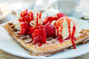 Fototapete - delicious Waffle with fresh cream