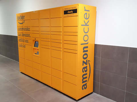 Bordeaux. Gironde / France - 10-26-2018 :  Amazon Locker Delivery Store self-service delivery location to pick up and return