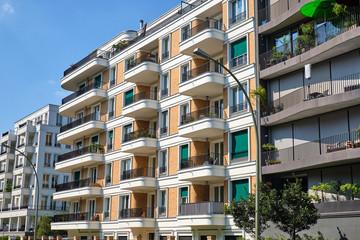 New multi-family houses in the Prenzlauer Berg district in Berlin