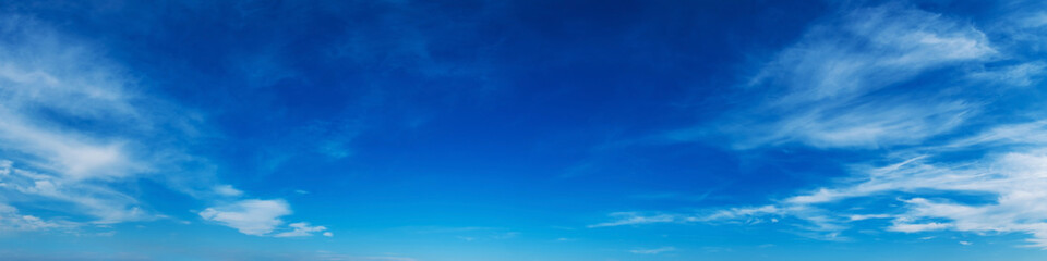 Panorama sky with cloud on a sunny day. Beautiful cirrus cloud. Fotobehang
