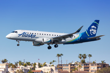 Alaska Airlines Skywest Embraer ERJ 175 airplane San Diego airport