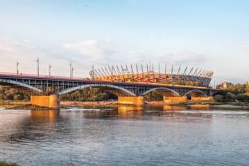 Most Poniatowskiego o zachodzie słońca