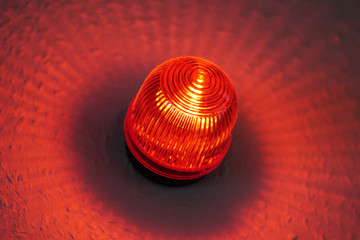 Obraz red light warning lamp known as wigwag wig-wag or red-eye - fototapety do salonu