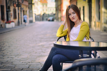 Obraz Girl in the city - Warsaw, Poland - fototapety do salonu
