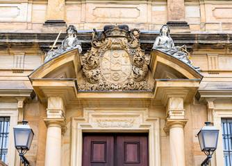 Wall Mural - Bamberg - Neue Residenz - Portal mit Wappen