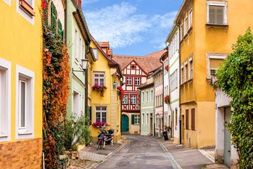 Farbenfrohe historische Straße in Bamberg