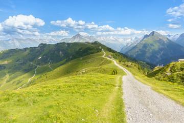Fototapete - Mountainbikestrecke in den österreichischen Alpen