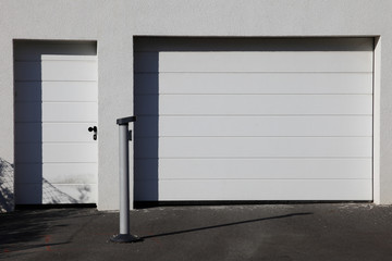 Garage and door of a Townhouse