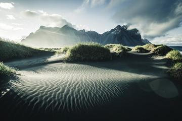 壁紙(ウォールミューラル) - Location place Stokksnes cape, Vestrahorn (Batman Mountain), Iceland, Europe.