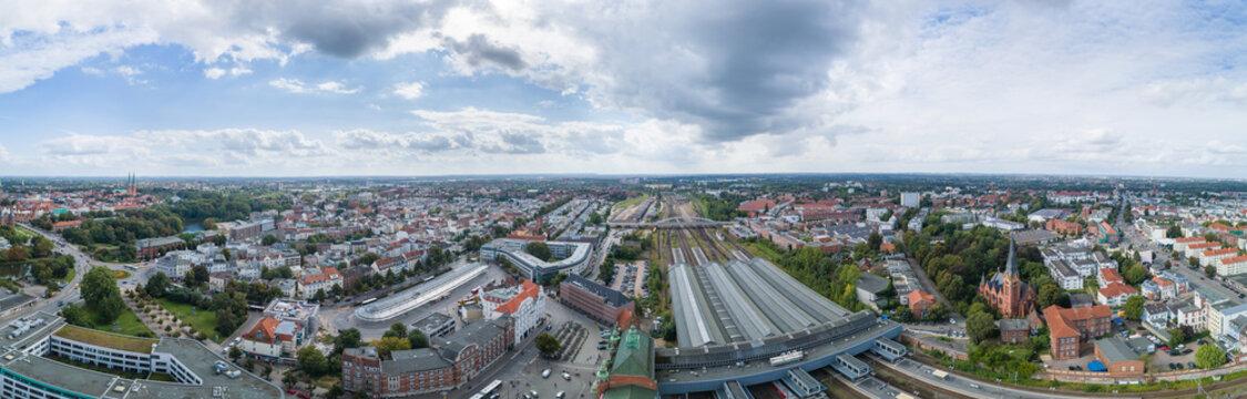 Bahnhof und ZOB in Lübeck