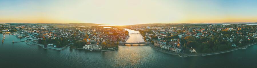 Türaufkleber Beige Sonnenuntergang über Konstanz am Bodensee