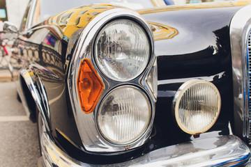 Fond de hotte en verre imprimé Vintage voitures View of black classic vintage Soviet car Gaz.