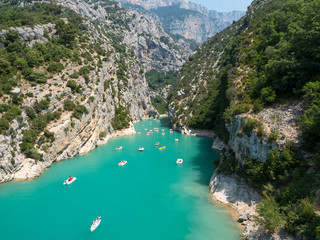 Obraz France, july 2019: St Croix Lake, Les Gorges du Verdon with Tourists in kayaks, boats and paddle boats., Provence - fototapety do salonu