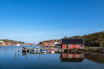Fototapete - Blick auf den Ort Hamburgsund in Schweden