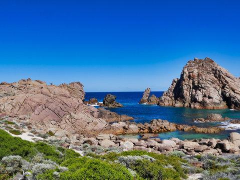 Sugerloaf Rock, Australia