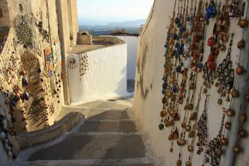 Fototapeta Uliczki Pyrgos, małego miasteczka na wyspie Santorini obraz