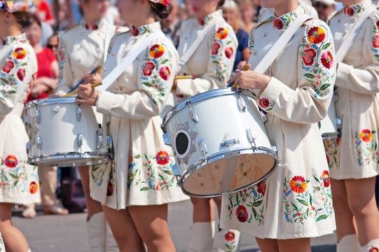 Marching band drummers perform, drummers parade in ukrainian costume