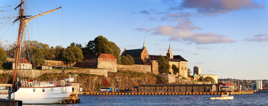 Oslo harbor - Akershus Fortress