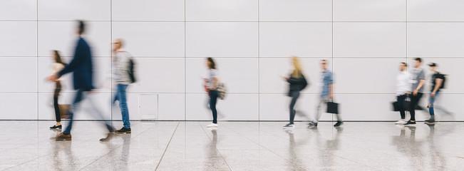 Fototapete - Crowd of people walking on a street in new york