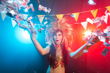 Foto op Plexiglas Beauty Holidays, party, dance and nightlife concept - Beautiful woman dressed for carnival night