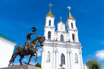 Vitebsk. Monument to Prince Algirdas and the resurrection Church on the town hall square in the city center.