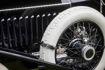 Fond de hotte en verre imprimé Vintage voitures Vintage classic car spare wheel