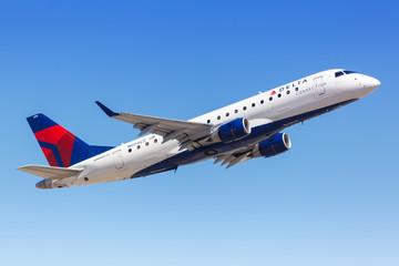 Delta Connection Embraer ERJ 175 airplane