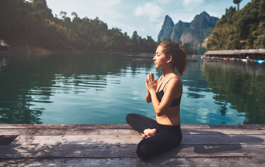 Tuinposter Ontspanning Woman Yoga - relax in nature
