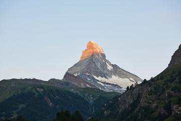 Foto op Plexiglas Ochtendgloren Sunrise Matterhorn Peak in Switzerland