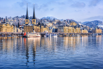 Foto auf AluDibond Schiff Lucerne city on Lake Lucerne, Switzerland, in winter