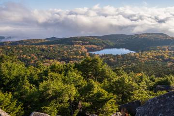 秋 高見石からの白駒池